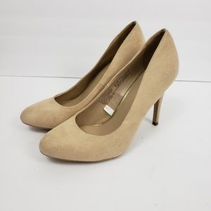 Mossimo sz 8 faux suede nude high heels pumps work
